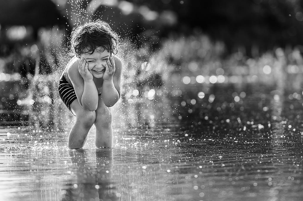 Fotos von pann- - Kind im Wasser