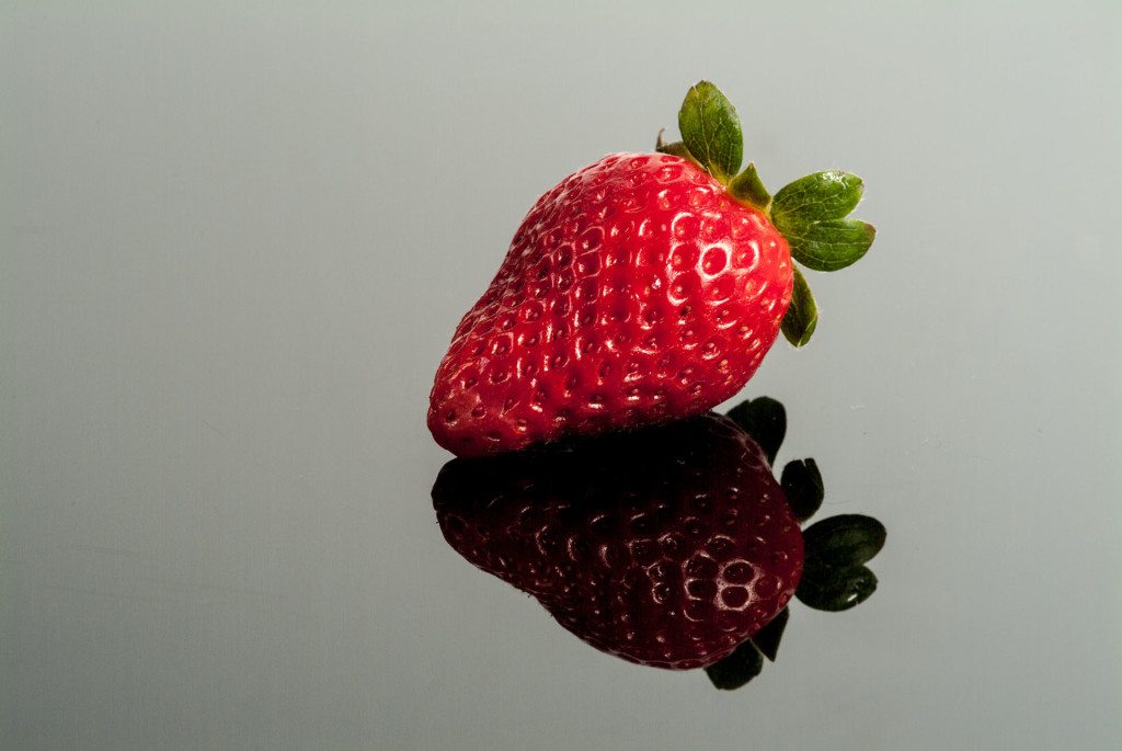 Erdbeeren, Spiegelung mit Plexiglas – 2
