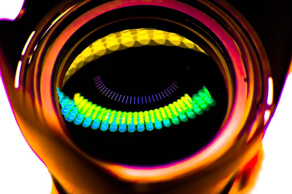 Objektiv vor einem LED-Licht