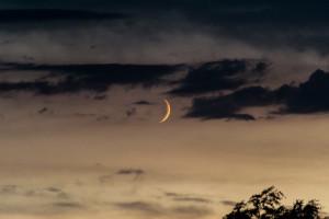 Mond und Wolken im Zusammelspiel – 4