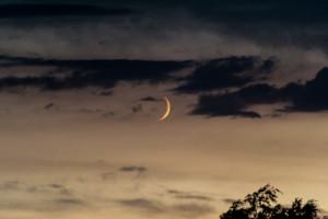 Mond und Wolken im Zusammelspiel – 5