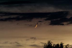 Mond und Wolken im Zusammelspiel – 3