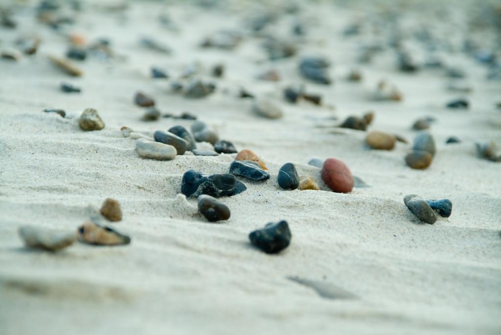 Landschaftsfotografie Strand mit Steinen