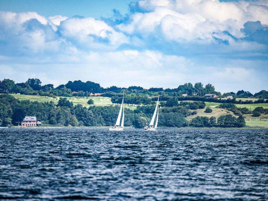 Segelschiffe_auf_dem_See