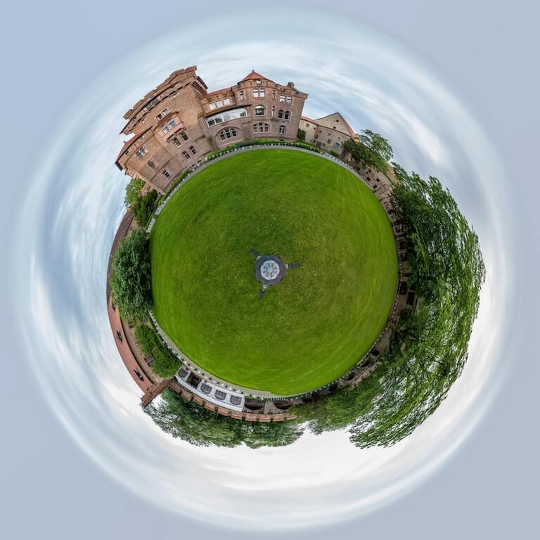 Little Planet in Photostop