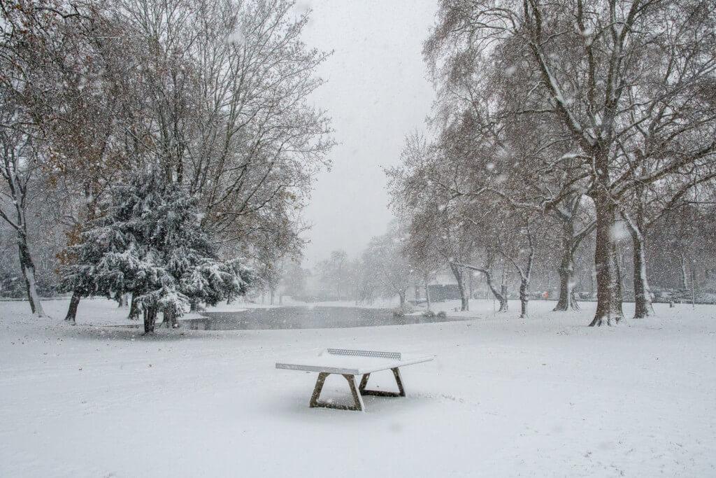 Ebertplatz in Köln mit Schnee