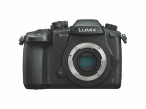 Ernstzunehmende Alternative: Trotz kleinen MFT-Sensors ist die Panasonic Lumix GH5 eine superschnelle Top-Kamera. Foto: Hersteller