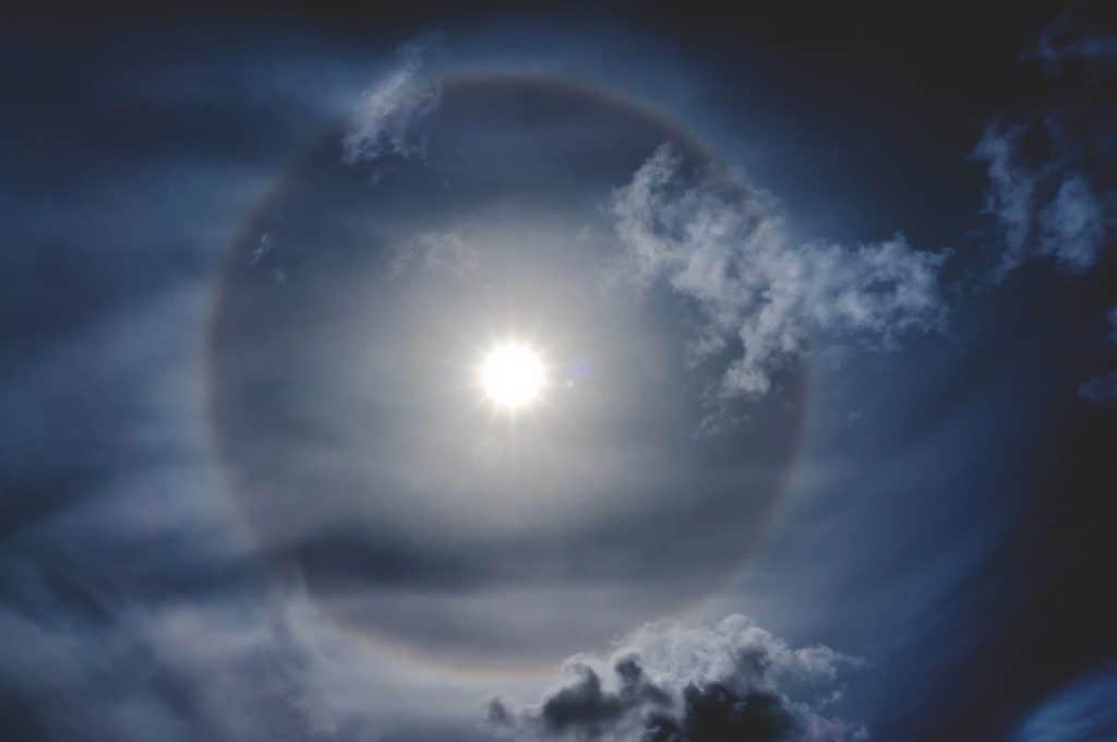 Sonne und Regenbogen-Kreis