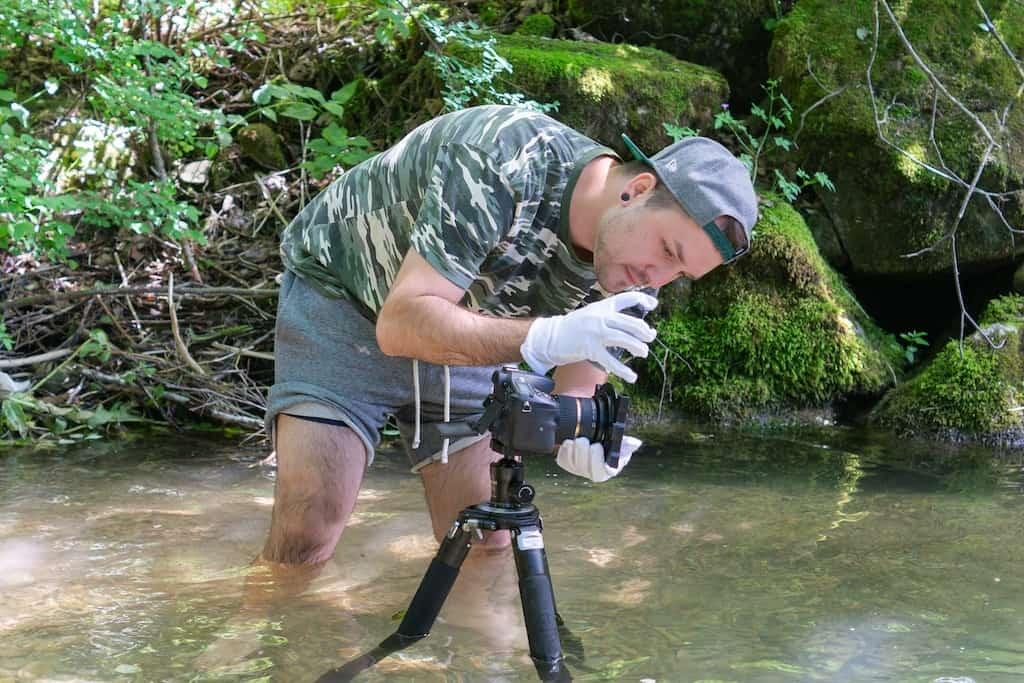 Kamera-Filter im Einsatz: Anbringen eines Objektiv-Filters