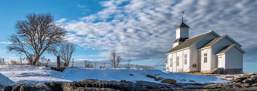 Bildmotiv Gimsøy-Holzkirche