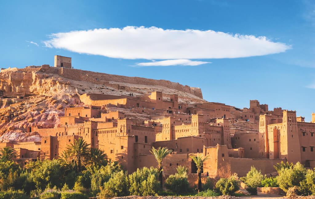 Wolke über Aït Ben Haddou in Marokko