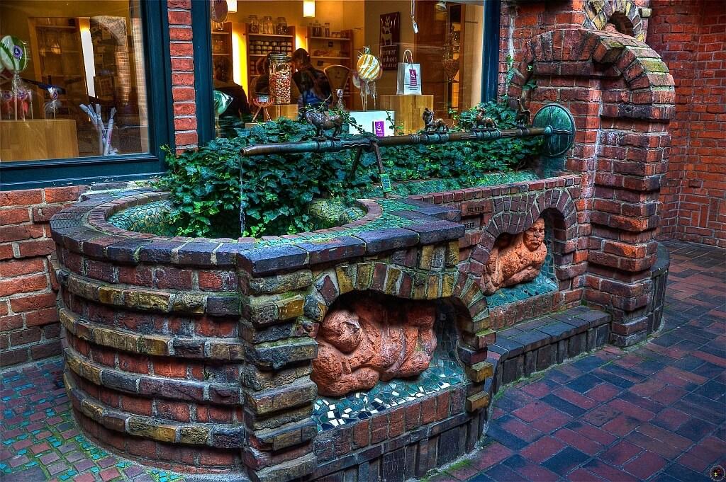 Sehenswürdigkeiten in Bremen fotografieren: Der Sieben Faulen Brunnen