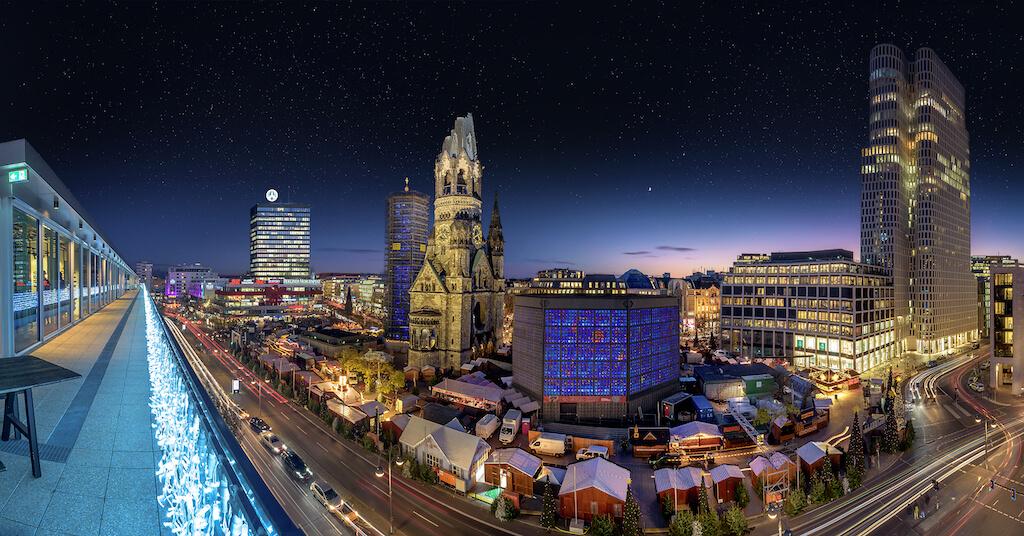 Aussicht vom Bikini Berlin auf den Weihnachtsmarkt Berlin