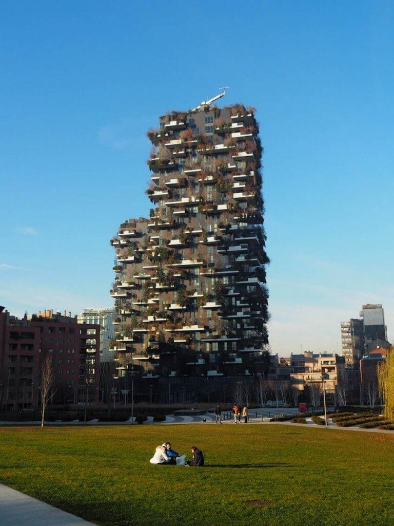 Die Sehenswürdigkeit Bosco Verticale in Mailand fotografieren