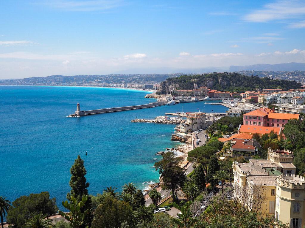 Wunderschöne Aussicht über Nizza