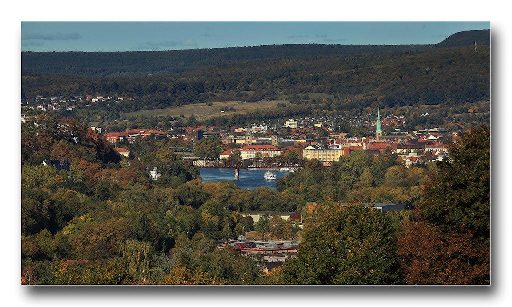 Ausblick vom Ohrberg auf die Stadt Hameln und die Weser