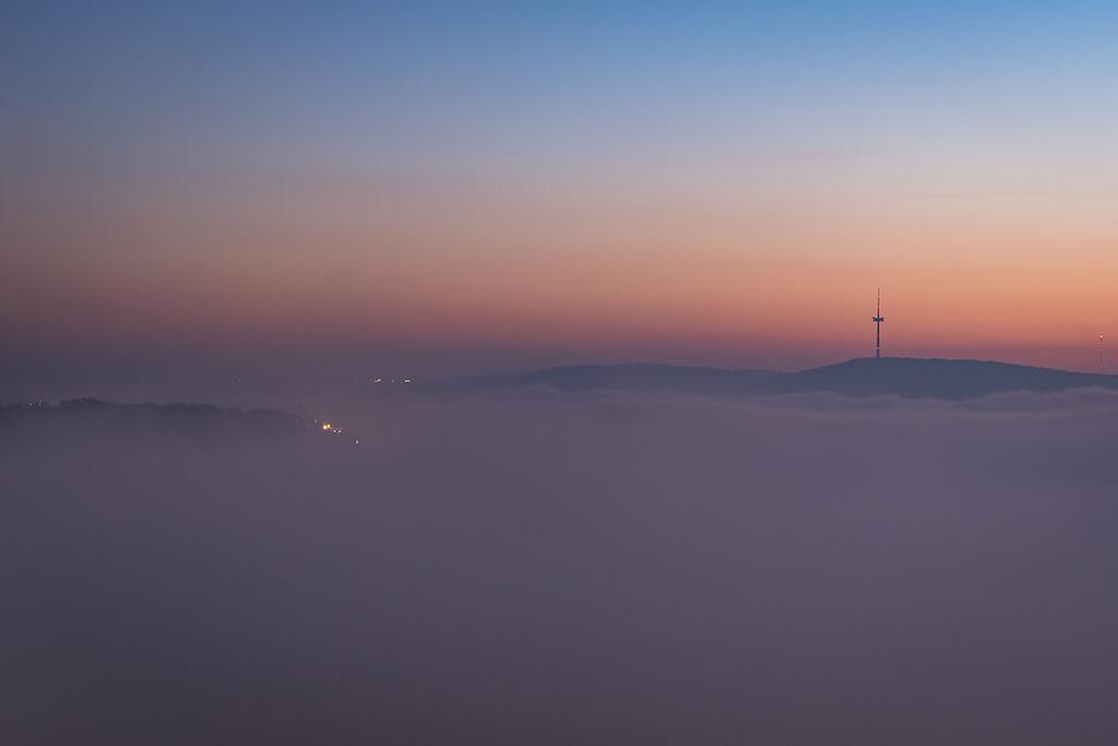 Sehenswürdigkeiten im Mittelrhein fotografieren: Koblenz in Nebel gehüllt