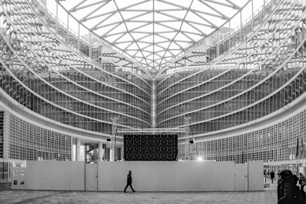 Im Palazzo Lombardia in Mailand