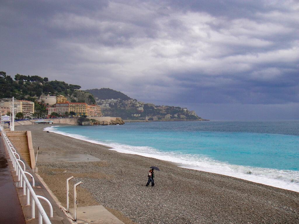 Steinstrand in Nizza fotografieren