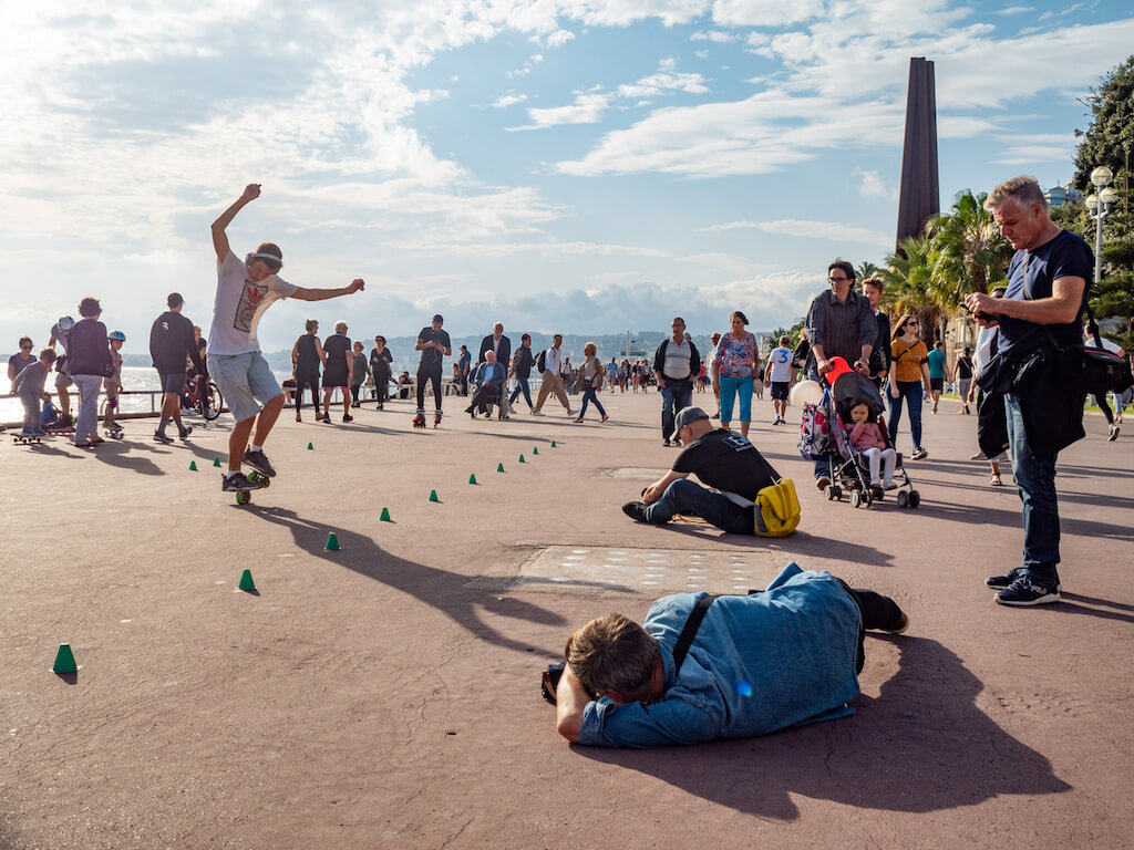 Fotografieren an der Promenade des Anglais in Nizza
