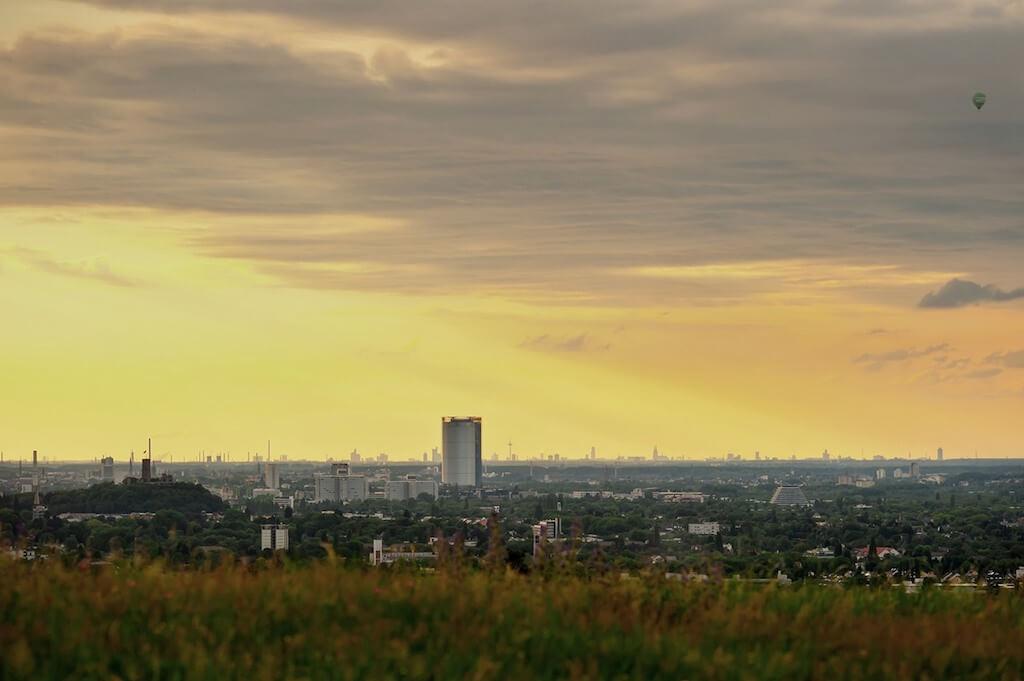 Auf dem Rodderberg die Skyline von Bonn und Köln fotografieren
