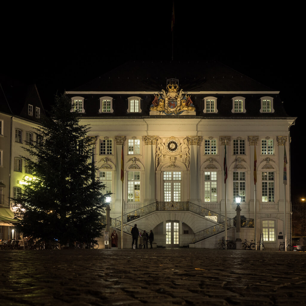 Architektur am Bonner Rathaus fotografieren