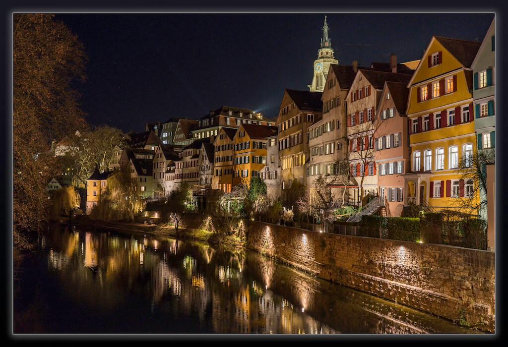Bei Nacht die Neckarfront in Tübingen fotografieren