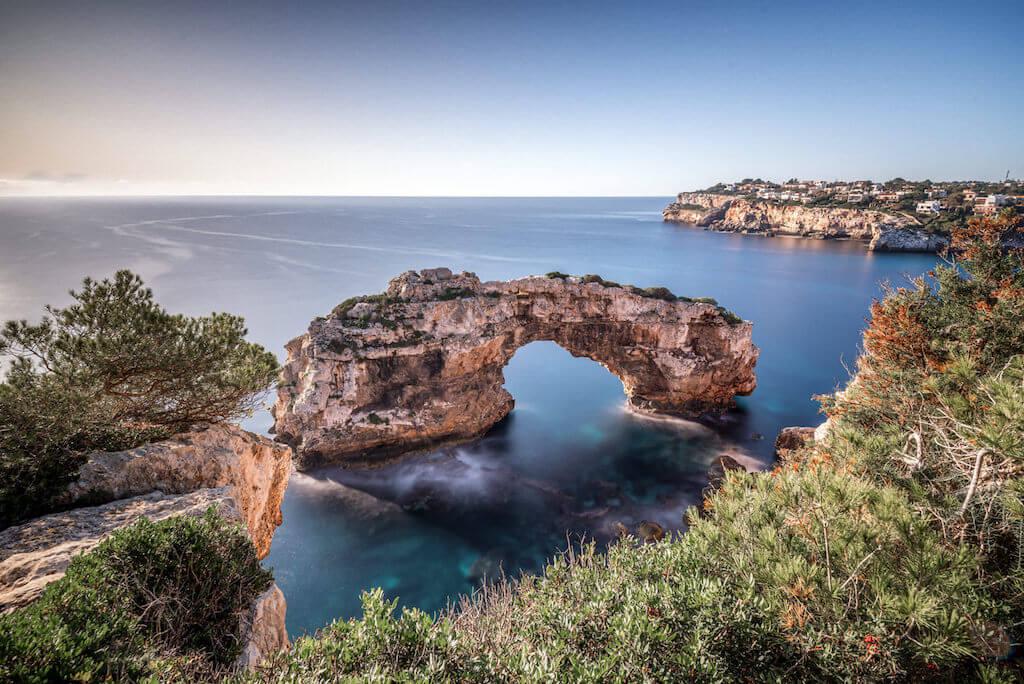 Die Sehenswürdigkeit Es Pontas auf Mallorca fotografieren