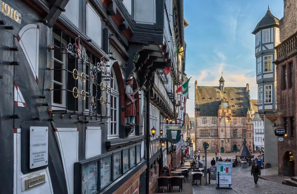Den Markplatz in Marburg fotografieren