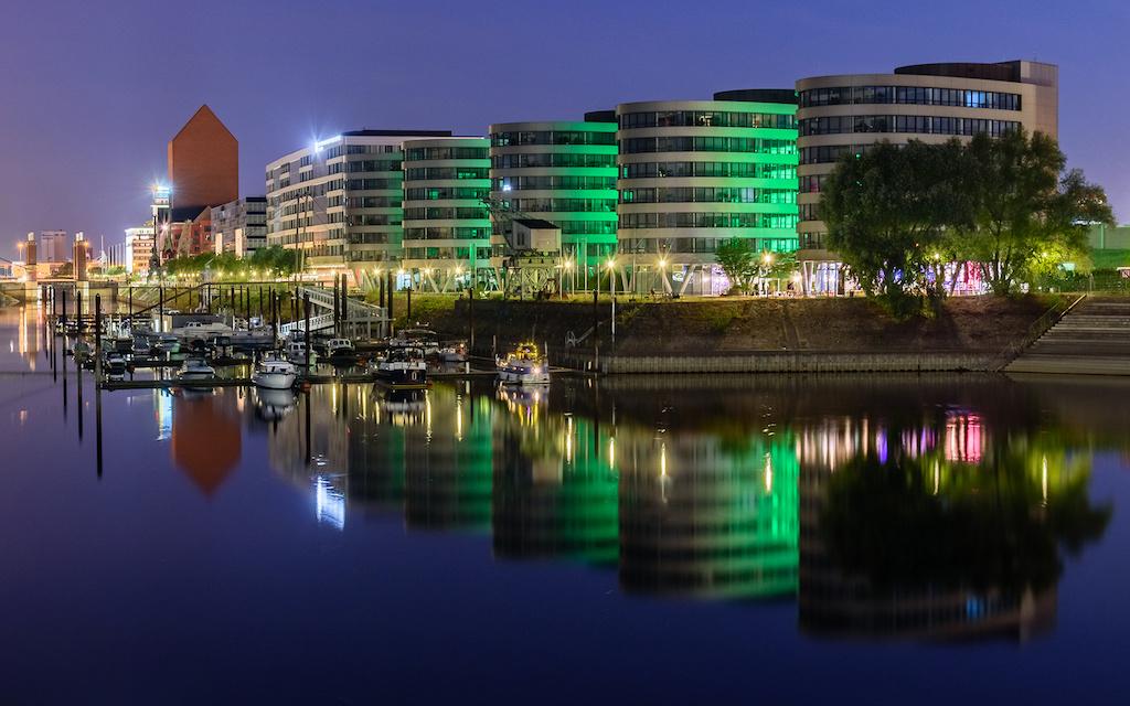 Five Boats- Sehenswürdigkeit in Duisburg fotografieren
