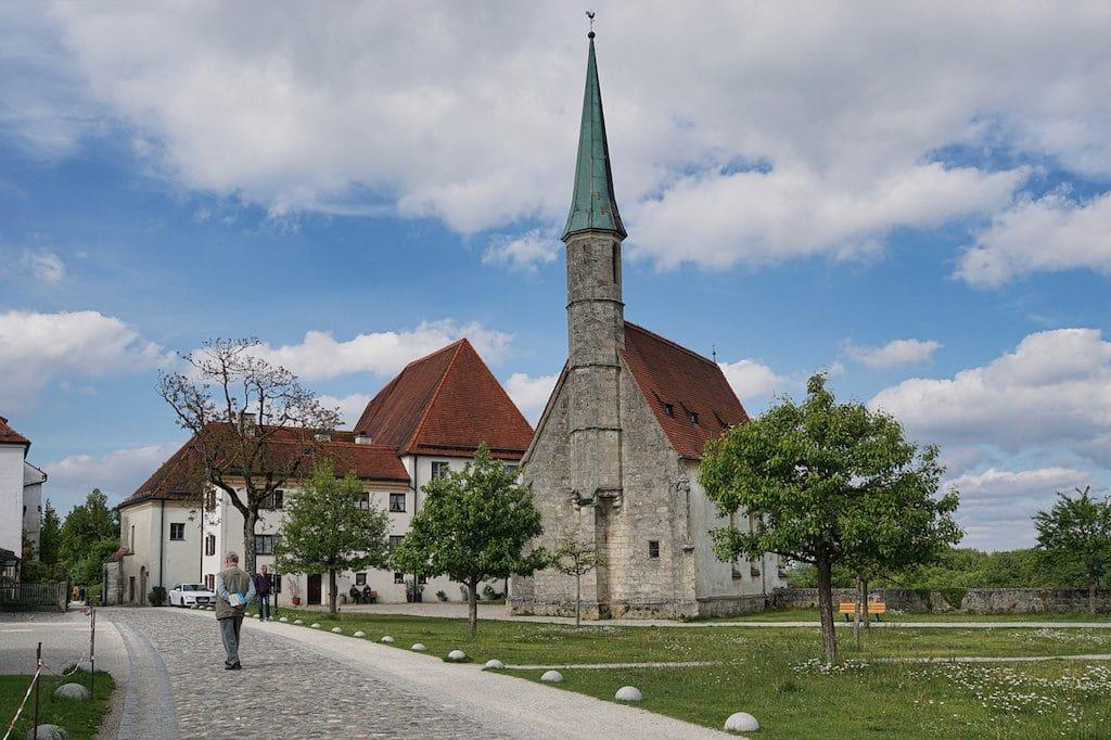 Die Sehenswürdigkeit Burgkapelle in Burghausen fotografieren