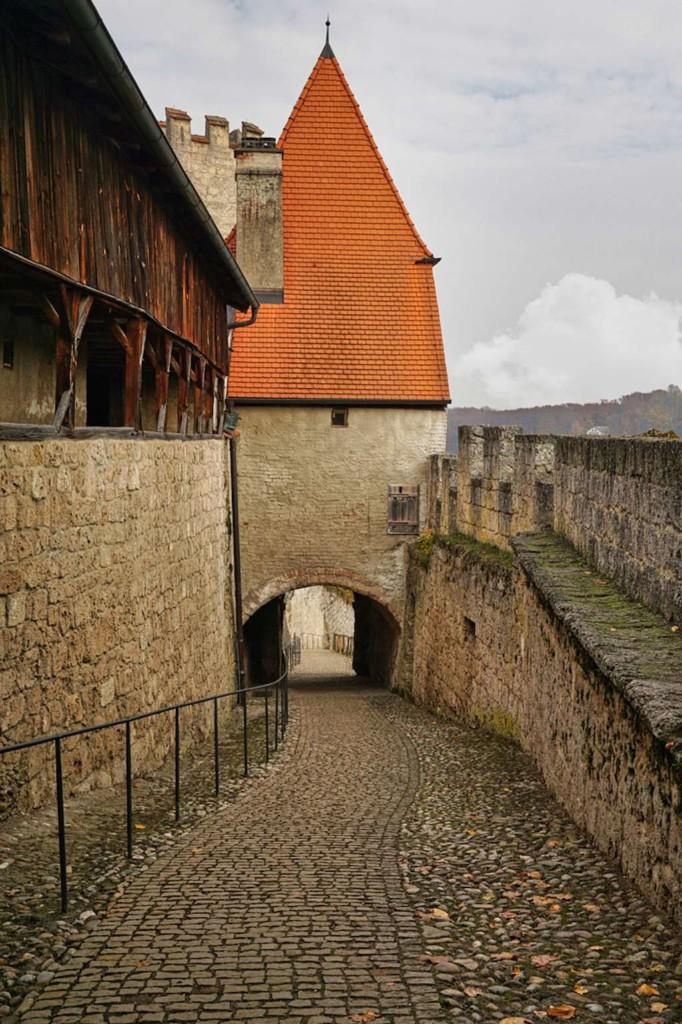 Burgsteig in Burgenhausen