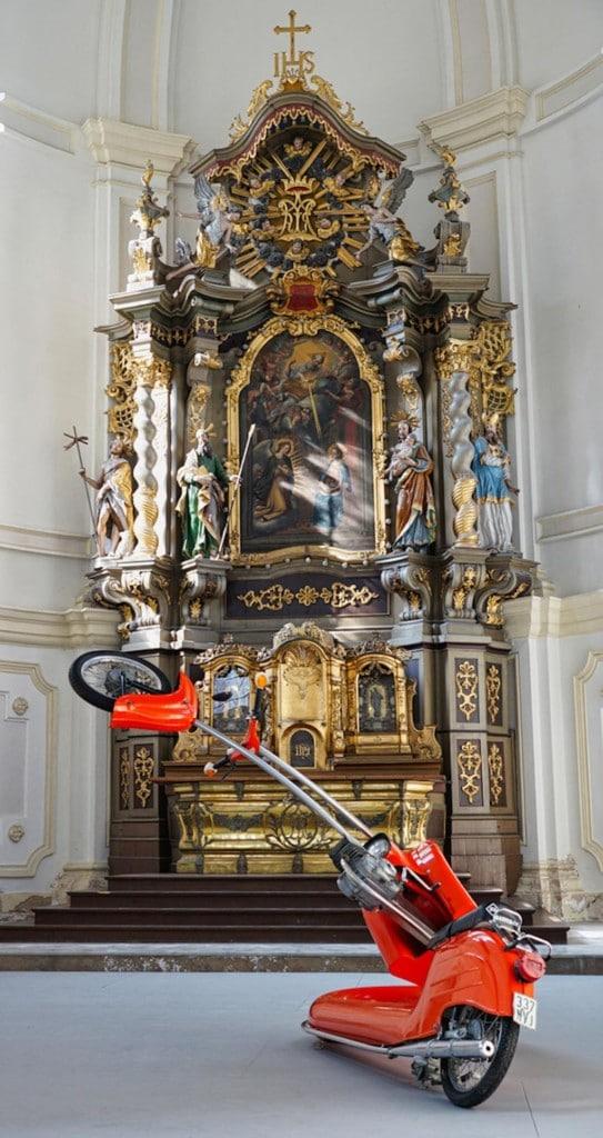 Ausstellungen in der profanierten Kirche in Burghausen
