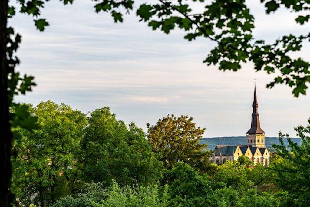 Blick vom Gertrudenberg auf die Marienkirche in Osnabrück