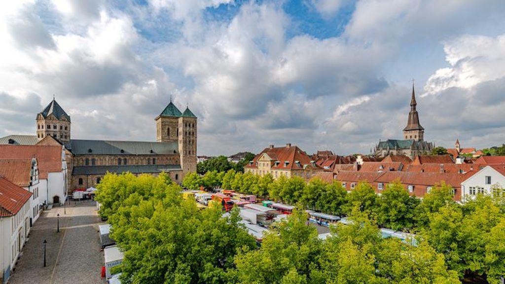 Wochenmarkt am Domhof (Osnabrück)