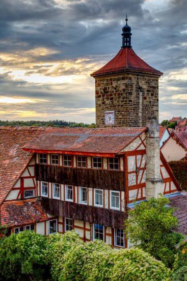 Fachwerkhaus und Siebertsturm in Rothenburg ob der Tauber
