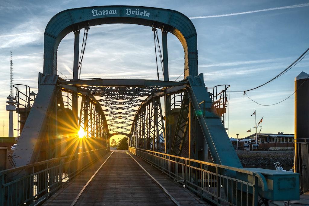 Die Nassaubrücke in Wilhelmshaven