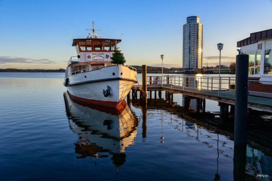 Die Anlegestelle mit dem Dampferschiff in Schleswig
