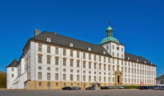 Schloss Gottorf am Parkplatz in Schleswig