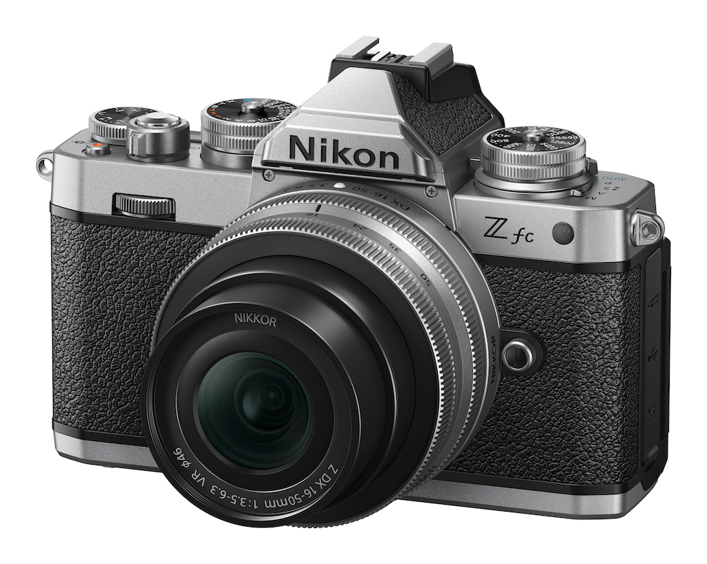 Die Kamera im Kit mit dem Z DX 3,5-6,3/16-50 mm VR Standardzoom
