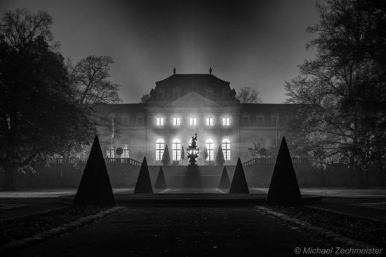 Orangerie @ Night SW II in der Rhön fotografieren