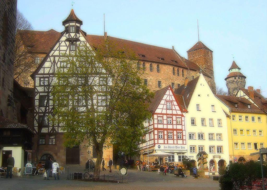 Sehenswürdigkeiten in Nürnberg fotografieren: Der Albrecht-Dürer-Platz