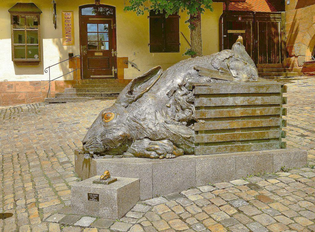 Skulptur des Dürer-Hasen in Nürnberg