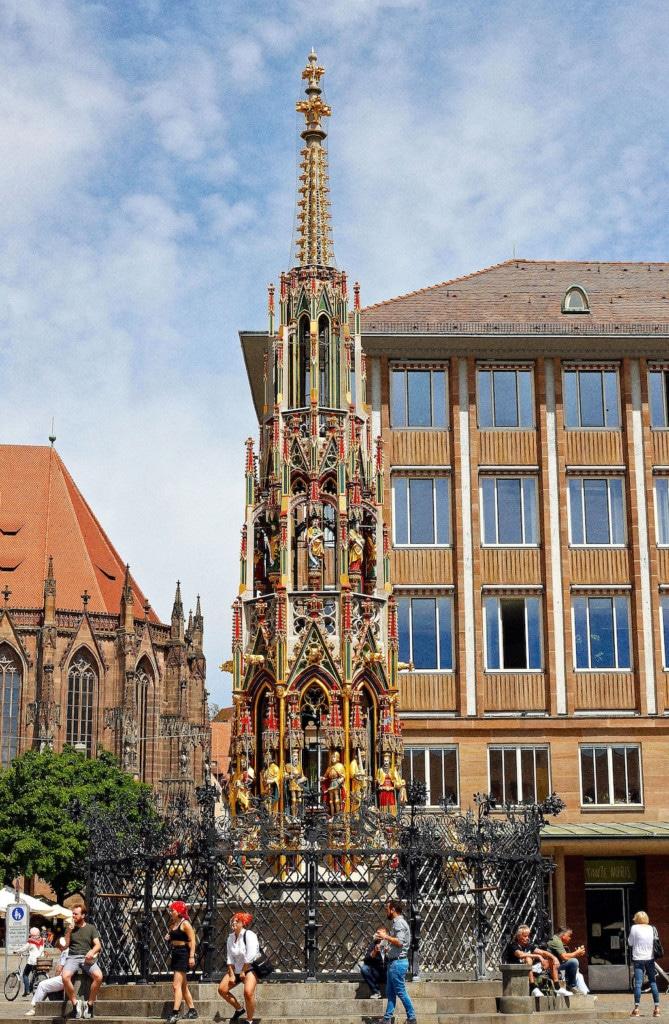 Der Schöne Brunnen in Nürnberg als Fotomotiv